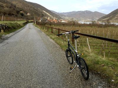 Faltrad vor Schwallenbach