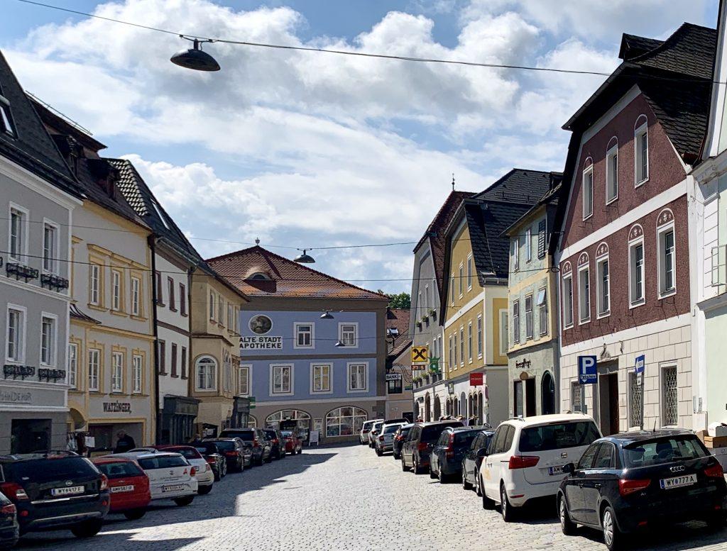 Oberer Stadtplatz von Waidhofen an der Ybbs vor der Einmündung in die Ybbstorgasse