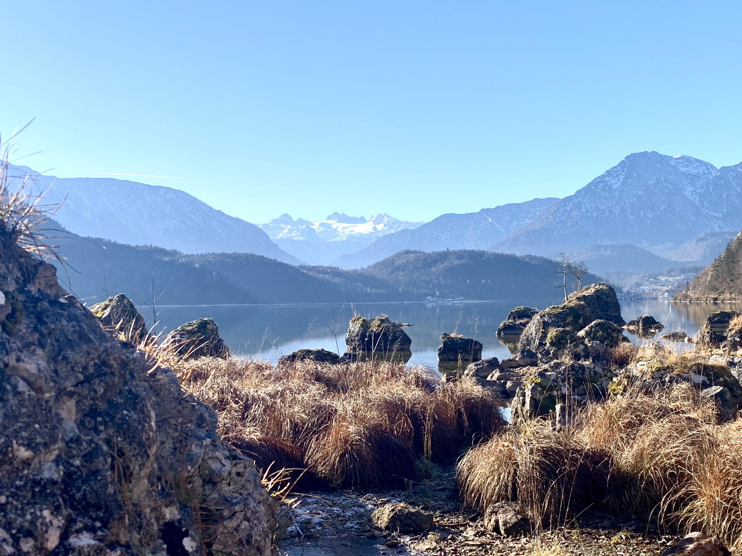 Steine auf der Seewiese beim Altausseer See