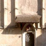 Das Westtor der Kirche von Schwallenbach