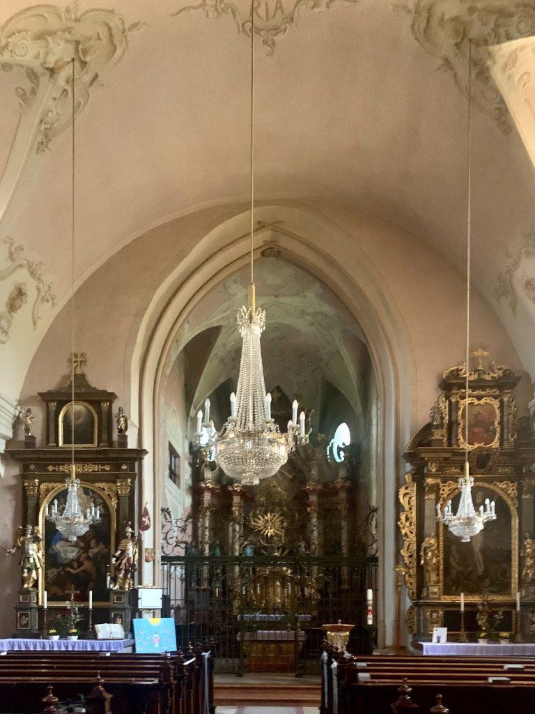 Innenraum der Wallfahrtskirche Maria Scharten