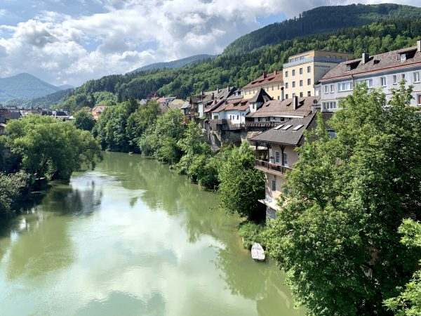 Linkes Ufer der Ybbs oberhalb der oberen Zellerbrücke in Waidhofen